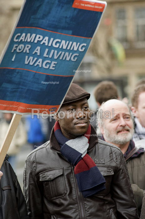 National Gallery staff strike against a pay offer which... - Philip Wolmuth, pw100223.jpg