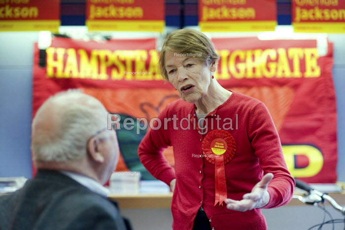 Labour MP Glenda Jackson talks with constituents and party supporters in her local campaign office during the 2010 General Election campaign in the newly created marginal constituency of Hampstead and Kilburn. - Philip Wolmuth - 2010-04-17