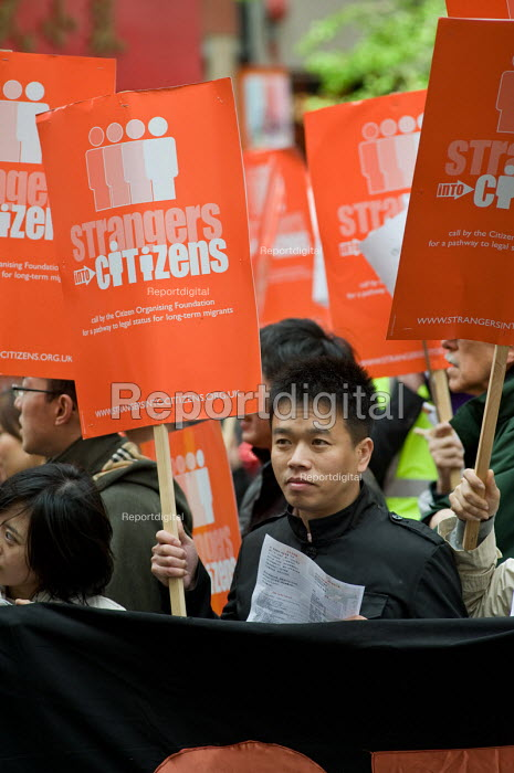 Strangers into Citizens rally in Chinatown, London, to demand an amnesty for migrant workers without papers, and an end to curbs on work permits. - Philip Wolmuth - 2010-05-03