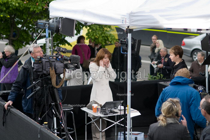 A Sky News presenter prepares to interview newly elected Green MP Caroline Lucas on College Green, Westminster, 2010 General Election. - Philip Wolmuth - 2010-05-11