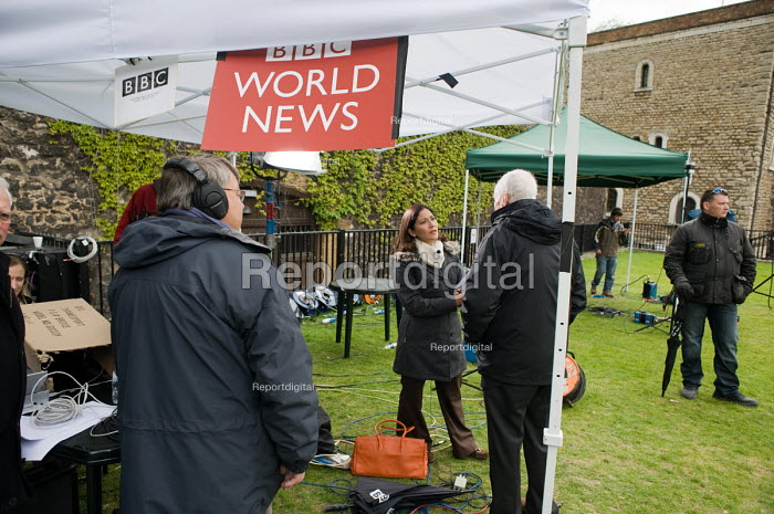 BBC World News interviewing Tony Benn, College Green, Westminster, 2010 General Election. - Philip Wolmuth - 2010-05-11