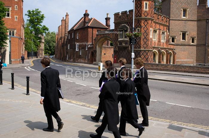 Pupils at Eton College. - Philip Wolmuth - 2010-05-25