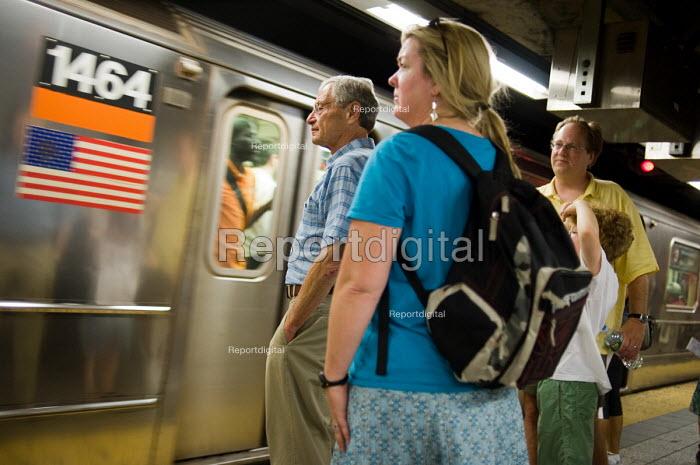 Subway passengers, Manhattan, New York. - Philip Wolmuth - 2010-08-04
