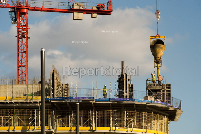 Construction workers, Stratford. Pouring concrete. - Philip Wolmuth - 2010-09-21