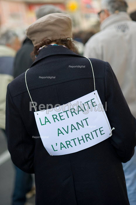 Retirement Before Arthritis. Protest in Als, in southern France against the governments proposed pension reforms. - Philip Wolmuth - 2010-10-19