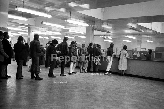 Dole queue, Lisson Grove DHSS office, London 1978 - Philip Wolmuth - 1978-02-01