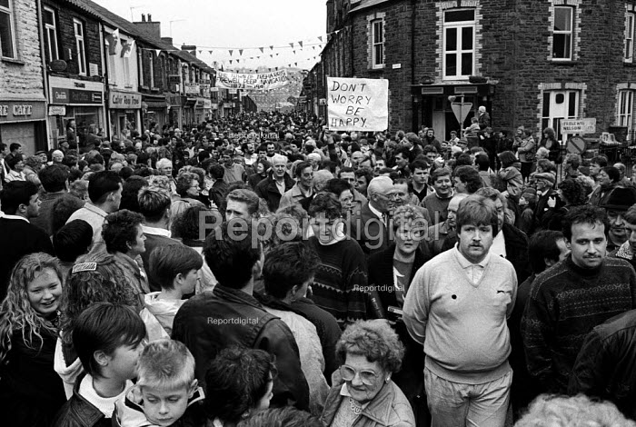 Residents of Treharris, South Wales, parade through the pit village to mark the closure of Deep Navigation colliery. - Philip Wolmuth - 1991-03-29