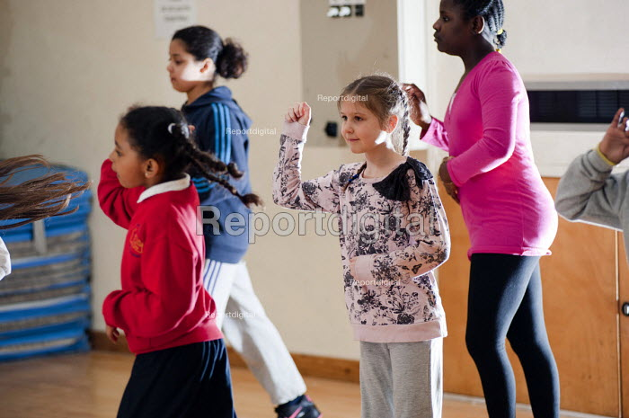 Dance class at an After-school club at the Winchester Project, Swiss Cottage, which may close due to cuts to Camden Councils funding. - Philip Wolmuth - 2011-03-14