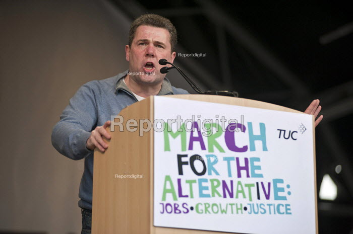Mark Serwotka, PCS Gen Sec. TUC March for the alternative. Jobs, Growth and Justice. London - Philip Wolmuth - 2011-03-26