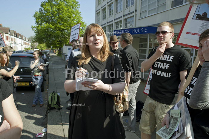 Michelle Stanistreet NUJ on the picket line on the first day of a planned two-week strike over job cuts by staff at North London & Herts Newspapers, a subsidiary of Tindle Newspapers Ltd.. - Philip Wolmuth - 2011-04-19