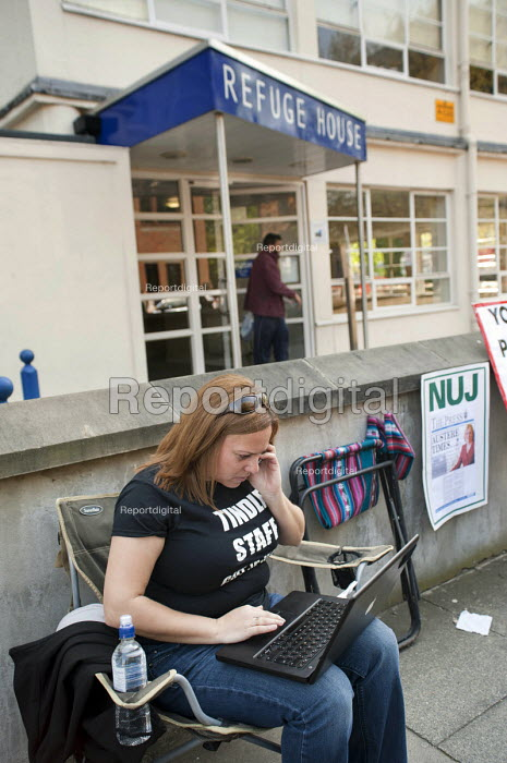 Photographer Anne-Marie Sanderson on the picket line on the first day of a planned two-week strike over job cuts by staff at North London & Herts Newspapers, a subsidiary of Tindle Newspapers Ltd.. - Philip Wolmuth - 2011-04-19