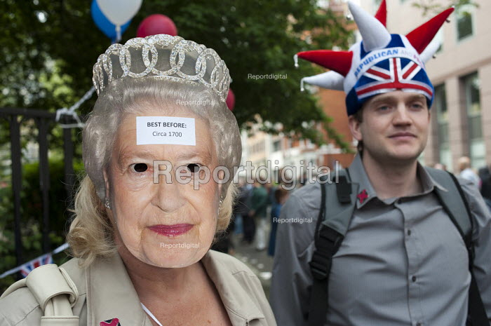 Not the Royal Wedding street partry organised by Republic, which wants to abolish the Monarchy. Red Lion Square, London. - Philip Wolmuth - 2011-04-29