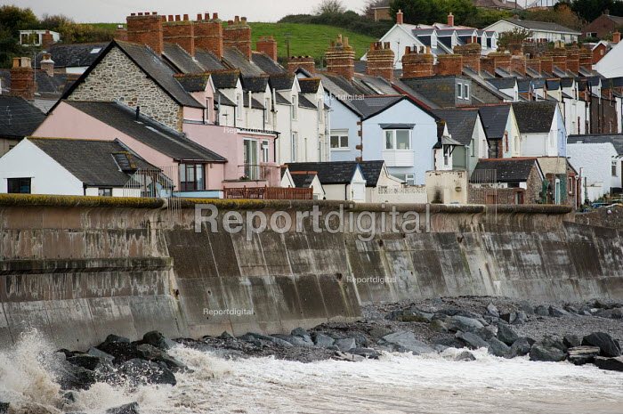 Seawall sea defenses and terraced houses in Watchet, Somerset. - Philip Wolmuth - 2010-11-04