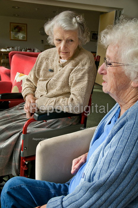 Two residents at Esk Moors Lodge, Castleton, North Yorkshire, a sheltered housing scheme and 'extra care' centre run by Esk Moors Caring. - Philip Wolmuth - 2010-11-01