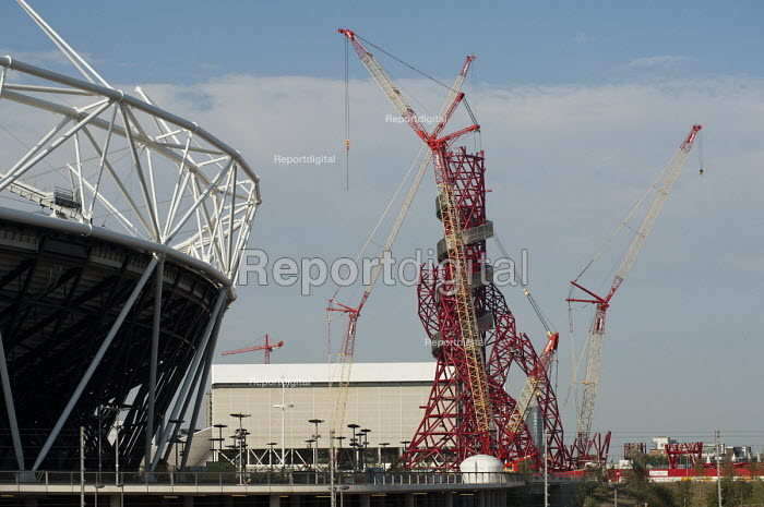 Construction of the ArcelorMittal Orbit, on the site of the London 2012 Olympic Park, which was designed by Anish Kapoor and financed by steel magnate Lakshmi Mittal. The sculpture will be the largest in the UK. - Philip Wolmuth - 2011-08-01