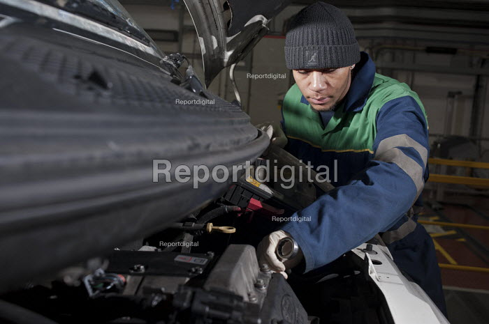 Apprentice vehicle mechanic at Camden Transport Services. - Philip Wolmuth - 2011-03-01