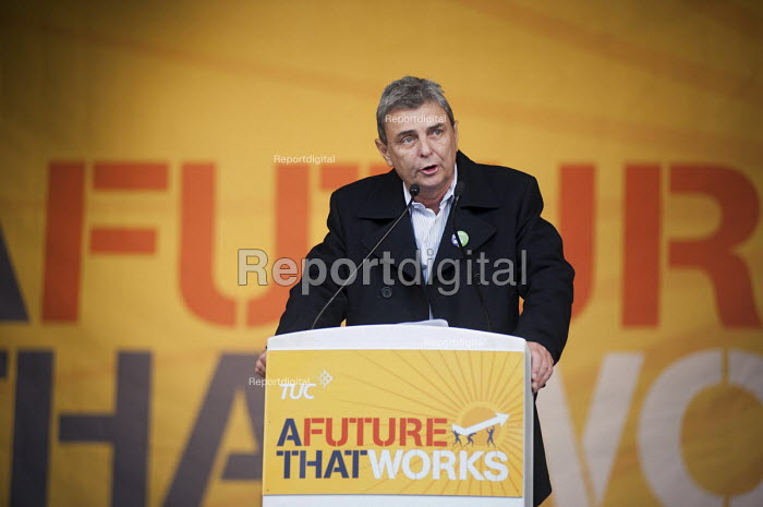 Dave Prentis, Unison. A Future that Works: TUC march and rally against austerity, London. - Philip Wolmuth - 2012-10-20