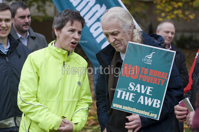 Mary Creagh, Shadow Environment Secretary, and Ivan Monckton, Unite Executive Council. Farm workers protest outside Parliament at government plans to scrap the Agricultural Wages Board, which protects 154,000 rural workers' pay, terms and conditions. - Philip Wolmuth - 2012-11-12