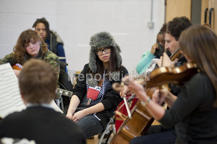 Half-term community music project at the Stowe Youth Club, part of the Royal Philharmonic Orchestra's Resound outreach programme, in partnership with the Paddington Development Trust. - Philip Wolmuth - 2013-02-20