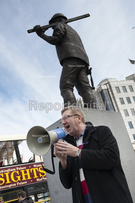 Len McCluskey, UNITE Gen Sec. International Worker's Memorial Day rally to commemorate those killed in accidents at work. Tower Hill, London. - Philip Wolmuth - 2013-04-28