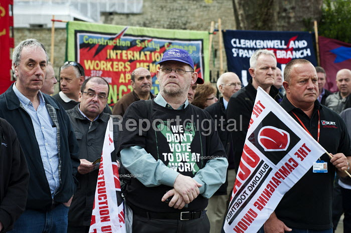 International Worker's Memorial Day rally to commemorate those killed in accidents at work. Tower Hill, London. - Philip Wolmuth - 2013-04-28