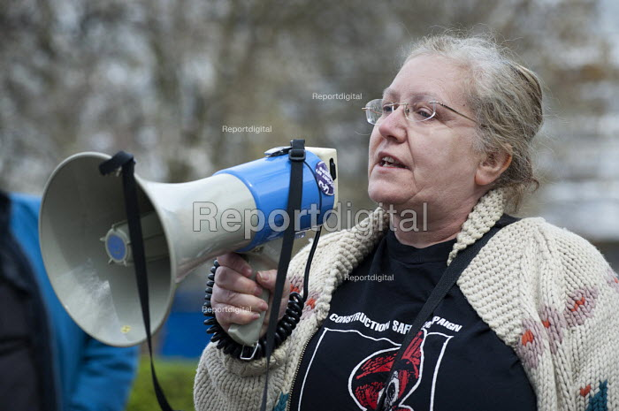 Margaret Sharkey, London Hazards Centre. International Worker's Memorial Day rally to commemorate those killed in accidents at work. Tower Hill, London. - Philip Wolmuth - 2013-04-28