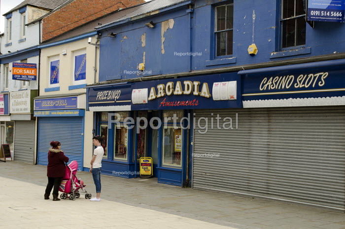 Amusement arcade, casino and closed shops in Seaham high street, County Durham. - Philip Wolmuth - 2013-08-10