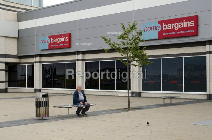 Elderly man in the new shopping precinct in Seaham, County Durham. - Philip Wolmuth - 2013-08-10