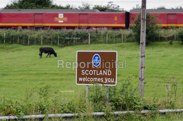 Scotland Welcomes You road sign, Dumfries and Galloway. - Philip Wolmuth - 2013-08-15