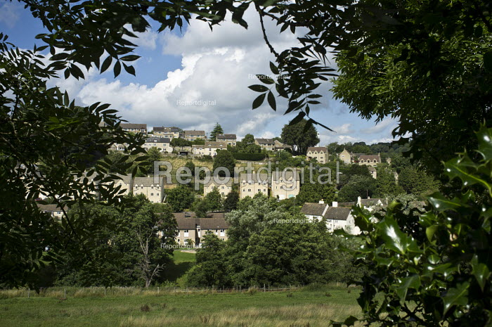 Private and social housing in Nailsworth, Gloucestershire. - Philip Wolmuth - 2013-08-18