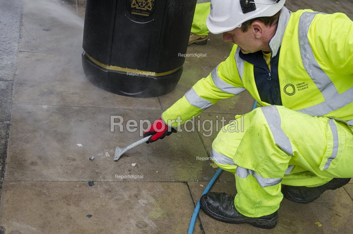 A London Highways Alliance street-cleaning team at work on a Clean Up Day organised by Edgware Road Partnership. - Philip Wolmuth - 2013-09-19