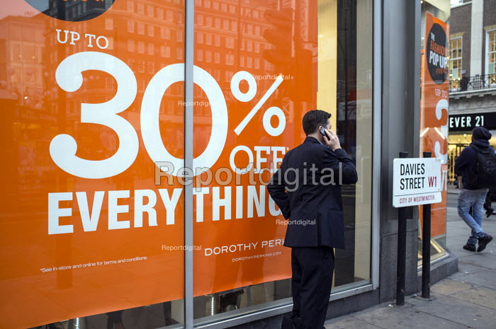 Sale at a Dorothy Perkins store in Oxford Street, London, during the Christmas shopping season. - Philip Wolmuth - 2013-11-27