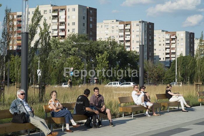 A park in front of residential housing blocks on the outskirts of Budapest. - Philip Wolmuth - 2014-07-01