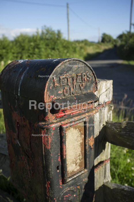 Farm letter-box, Hereforshire. - Philip Wolmuth - 2014-07-08