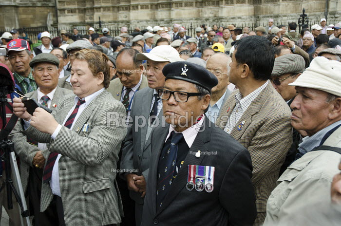 Gurkhas rally outside Parliament to lobby for Gurkha pensions and terms of employment, London - Philip Wolmuth - 2014-09-11