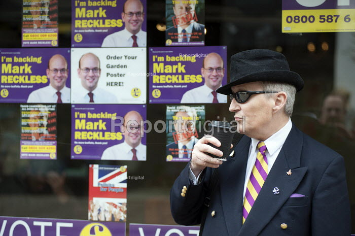 Outside the Rochester UKIP HQ, campaign in Rochester before the Rochester and Strood by-election. - Philip Wolmuth - 2014-11-08