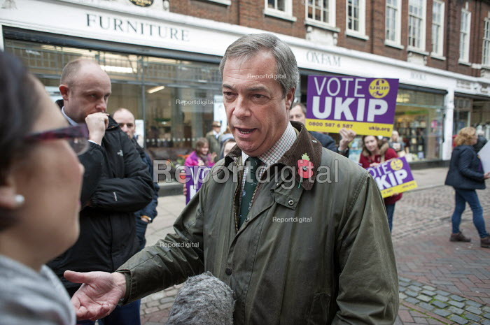 UKIP leader Nigel Farage campaigning in Rochester for ex-Conservative MP Mark Reckless before the Rochester and Strood by-election. - Philip Wolmuth - 2014-11-08
