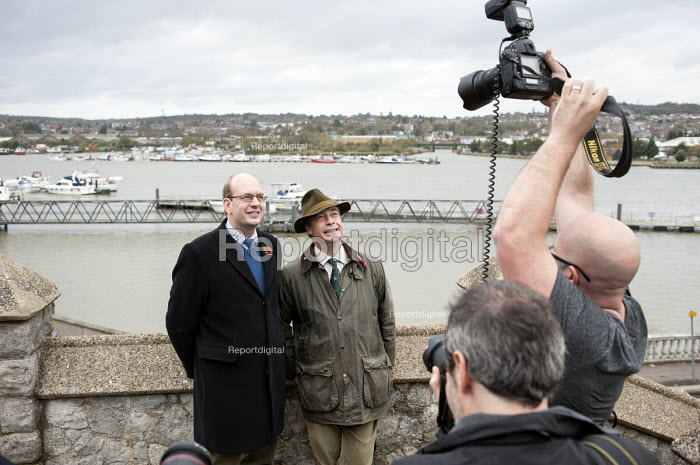 UKIP leader Nigel Farage and ex-Conservative MP Mark Reckless, the UKIP candidate, campaign in Rochester before the Rochester and Strood by-election. - Philip Wolmuth - 2014-11-08