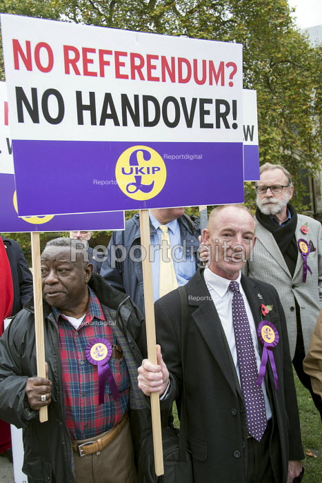 UKIP lobby of Parliament against the handover of legal powers, including the European Arrest Warrant, to the EU. Old Palace Yard, Westminster, London. - Philip Wolmuth - 2014-11-10