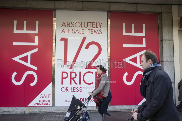 BHS store, January sales, Oxford Street, London. - Philip Wolmuth - 2015-01-02