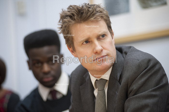 Tristram Hunt MP visiting Little Ilford School in Newham, London, to discuss the schools work with Stonewall on its campaign against homophobic bullying. - Philip Wolmuth - 2015-02-03