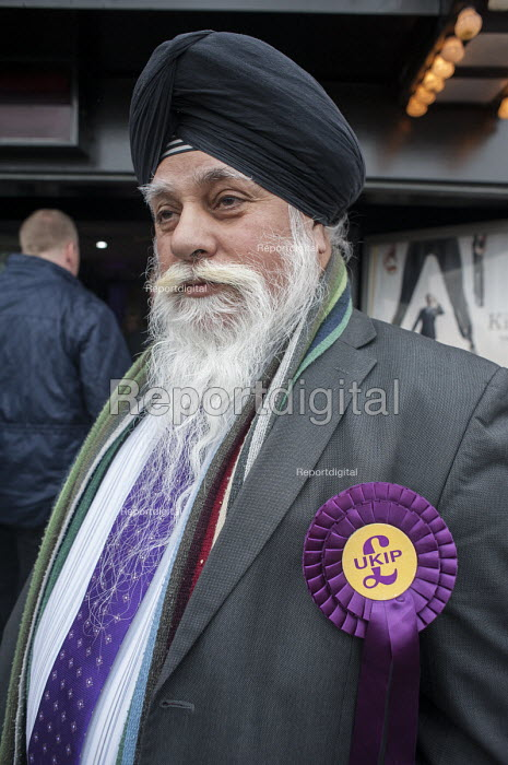 Local UKIP supporters outside the Movie Starr cinema, Canvey Island, South Essex, following the launch of the party's General Election campaign. - Philip Wolmuth - 2015-02-12