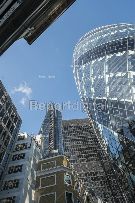 The Gherkin (30 St Mary Axe) and The Cheesegrater (The Leadenhall Building) in the City of London. - Philip Wolmuth - 2015-02-17