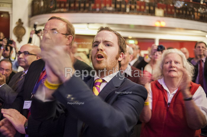 Standing ovation for Nigel Farage, UKIP Spring Conference, Margate, Kent. - Philip Wolmuth - 2015-02-27