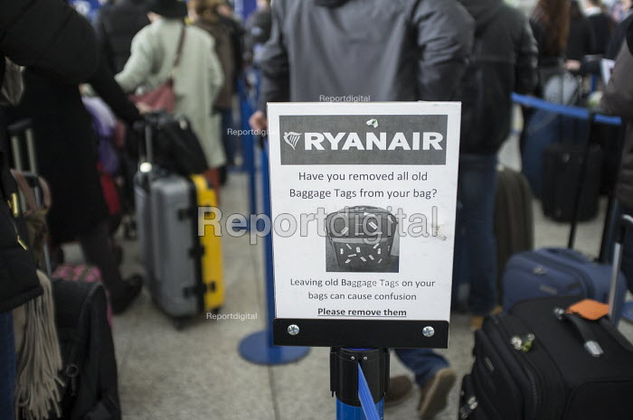 Ryanair baggage drop queue, Stansted airport, Essex. - Philip Wolmuth - 2015-03-11