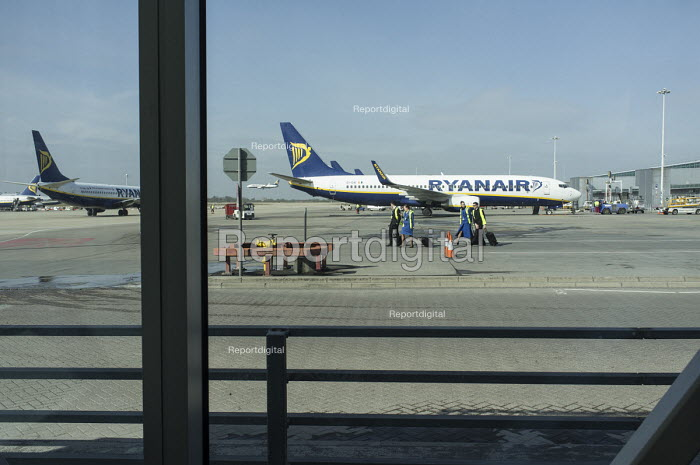 Ryanair planes preparing for take-off, Stansted airport, Essex. - Philip Wolmuth - 2015-03-11