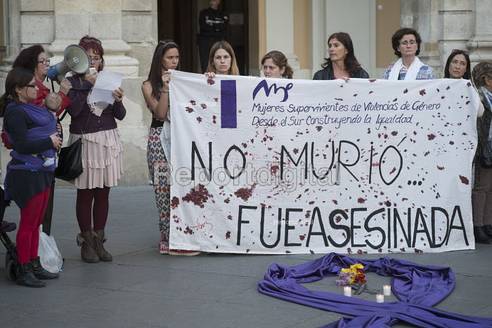 She Didnt Die, She was Murdered. Women Survivors of Gender Violence in the South demonstrate outside the municipal government building in Malaga, Spain - Philip Wolmuth - 2015-03-11