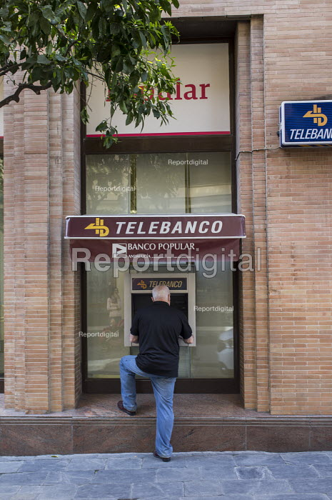 Telebanco ATM, Seville, Spain. - Philip Wolmuth - 2015-03-12