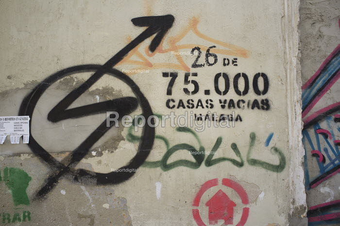 Empty house marked by campaigners as number 26 of 75,000 left vacant in Malaga, Spain. - Philip Wolmuth - 2015-03-15