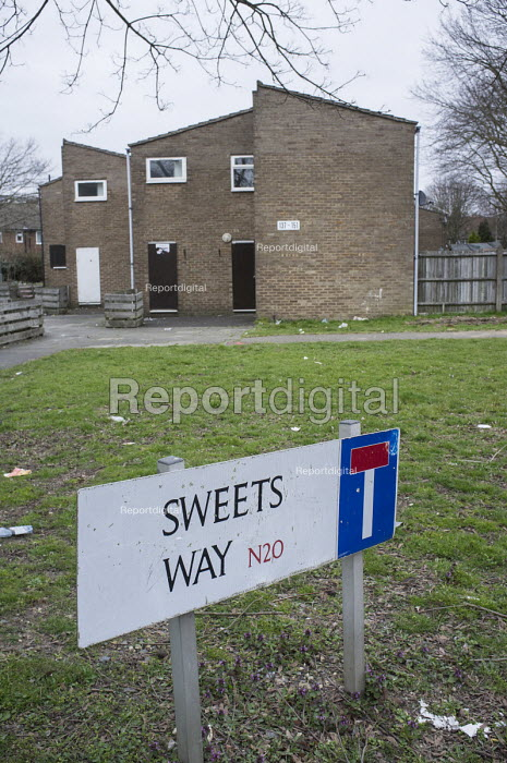 Empty housing on Sweets Way estate in Whetstone, Barnet, London. Many former tenants are now living in emergency accommodation outside the borough following evictions in advance of demolition and redevelopment by Annington, a subsidiary of private equity investors Terra Firma. - Philip Wolmuth - 2015-03-21